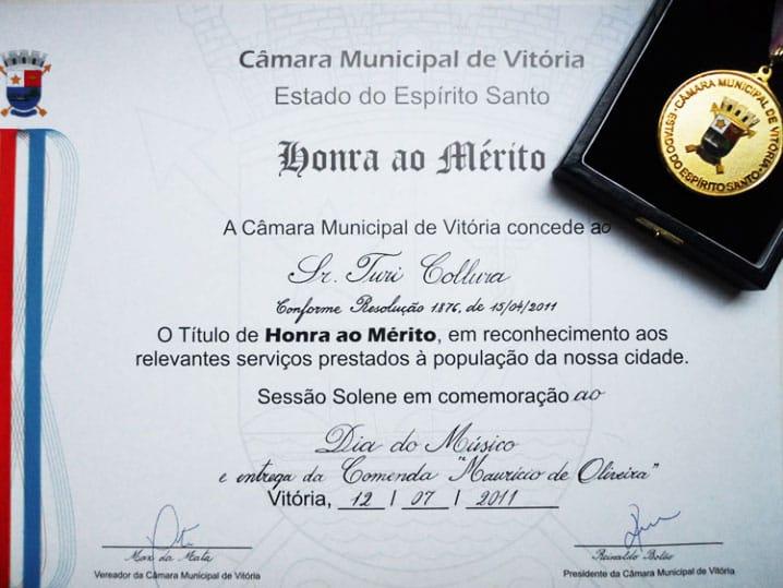 Honra ao mérito - câmara municipal de Vitória - Turi Collura
